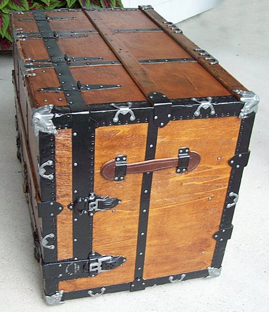 T107 - Stallman Theatrical Dresser Trunk - SOLD 09/2019 - Click Image to Close