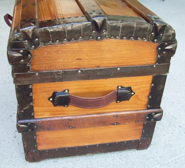 T125 - 1880's Half or Hat Trunk - SOLD 02/2020 - Click Image to Close
